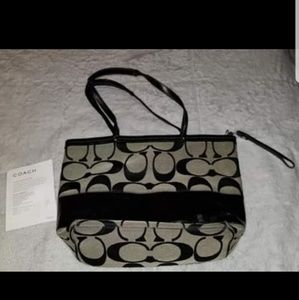 Authentic Coach purse/handbag